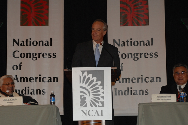 [Assignment: 48-DPA-10-20-08_SOI_K_BIA_NCAI] Secretary Dirk Kempthorne [at the Phoenix Convention Center, Phoenix, Arizona to address the 65th Annual Convention of the] National Congress of American Indians [48-DPA-10-20-08_SOI_K_BIA_NCAI_DOI_2460.JPG]