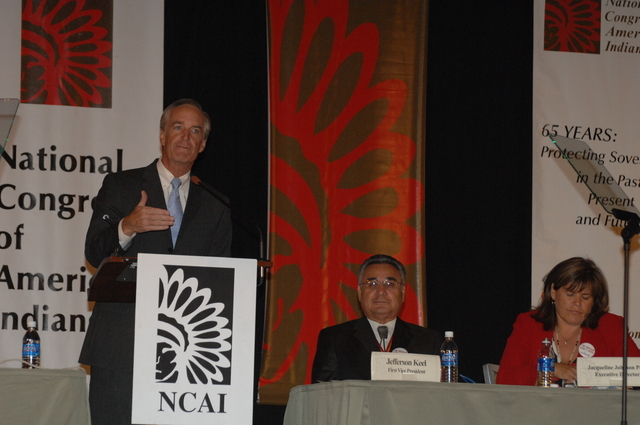 [Assignment: 48-DPA-10-20-08_SOI_K_BIA_NCAI] Secretary Dirk Kempthorne [at the Phoenix Convention Center, Phoenix, Arizona to address the 65th Annual Convention of the] National Congress of American Indians [48-DPA-10-20-08_SOI_K_BIA_NCAI_DOI_2482.JPG]