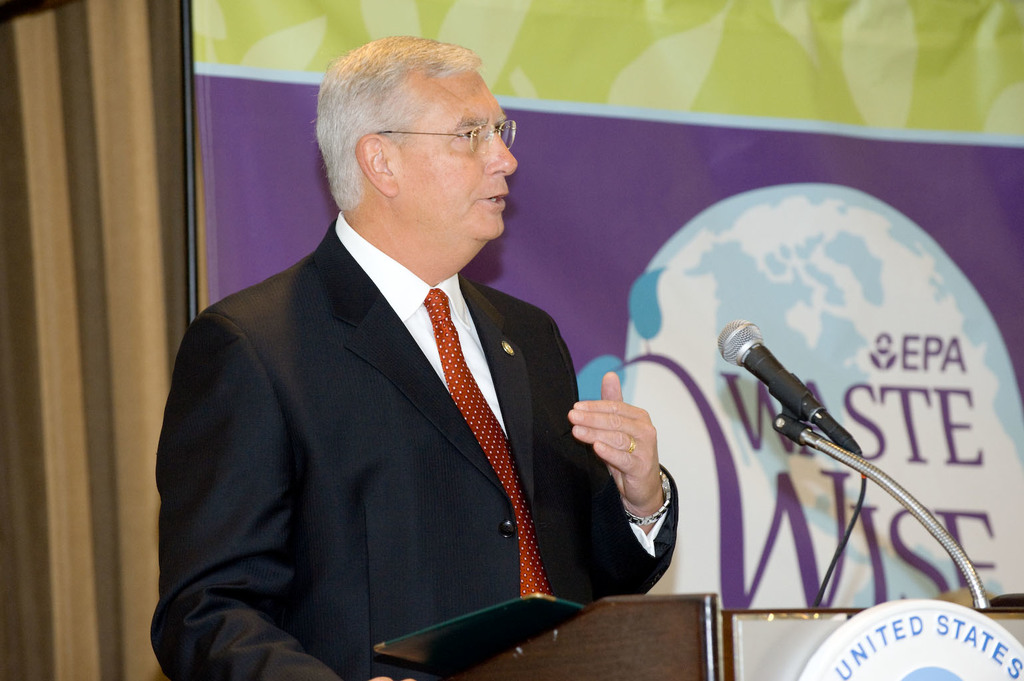 Office of the Administrator (Stephen L. Johnson) - WasteWise and National Partnership for Environmental Priorities (NPEP) Annual Conference [412-APD-416-2008-10-29_WasteWise_015.jpg]