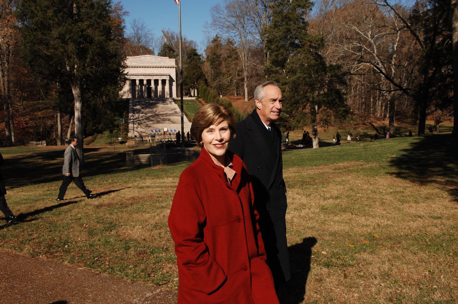 [Assignment: 48-DPA-11-18-08_SOI_K_FLOTUS] Visit of Secretary Dirk Kempthorne to the Abraham Lincoln Birthplace National Historic Site in Hodgenville, Kentucky, where he joined First Lady Laura Bush, [Historic Site Superintendent Keith Pruitt, and Libby O'Connell, Chief Historian of A and E Television's History Channel, for tours, remarks, interactions with National Park Service staff and visitors] [48-DPA-11-18-08_SOI_K_FLOTUS_IOD_8247.JPG]