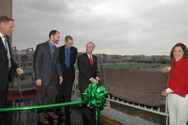 """[Assignment: 48-DPA-12-16-08_SOI_K_Green_Roof] Event marking the success of the Green Roof installation [atop the Main Interior Building (""""Green Roof in Action""""),] with Secretary Dirk Kampthorne, [Deputy Secretary P. Lynn Scarlett, and other senior officials on hand] [48-DPA-12-16-08_SOI_K_Green_Roof_DOI_4516.JPG]"""
