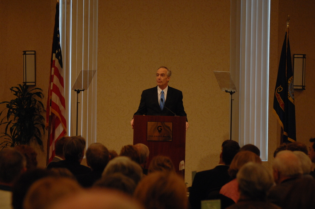"[Assignment: 48-DPA-01-05-09_SOI_K_City_Club] Visit of Secretary Dirk Kempthorne to Boise, Idaho for address to the City Club, [at the Grove Hotel, ""Reflections on a Career in Public Service""] [48-DPA-01-05-09_SOI_K_City_Club_DOI_4863.JPG]"