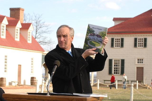 [Assignment: 48-DPA-01-12-09_SOI_K_Mt_Vernon] Visit of Secretary Dirk Kempthorne to Mount Vernon Estate and Gardens, Mount Vernon, Virginia, [for touring and announcement of the U.S. nomination of the George Washington home, along with the Papahanaumokuakea Marine National Monument in Hawaii, for inclusion on the United Nations Educational, Scientific, and Cultural Organization's (UNESCO's) World Heritage List.  Joining Secretary Kempthorne for the announcement was James Rees, Executive Director of the Mount Vernon Estate and Gardens.]  [48-DPA-01-12-09_SOI_K_Mt_Vernon_DOI_5727.JPG]