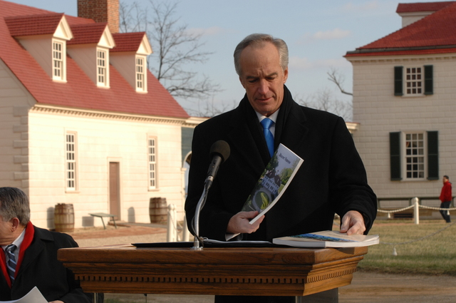 [Assignment: 48-DPA-01-12-09_SOI_K_Mt_Vernon] Visit of Secretary Dirk Kempthorne to Mount Vernon Estate and Gardens, Mount Vernon, Virginia, [for touring and announcement of the U.S. nomination of the George Washington home, along with the Papahanaumokuakea Marine National Monument in Hawaii, for inclusion on the United Nations Educational, Scientific, and Cultural Organization's (UNESCO's) World Heritage List.  Joining Secretary Kempthorne for the announcement was James Rees, Executive Director of the Mount Vernon Estate and Gardens.]  [48-DPA-01-12-09_SOI_K_Mt_Vernon_DOI_5723.JPG]
