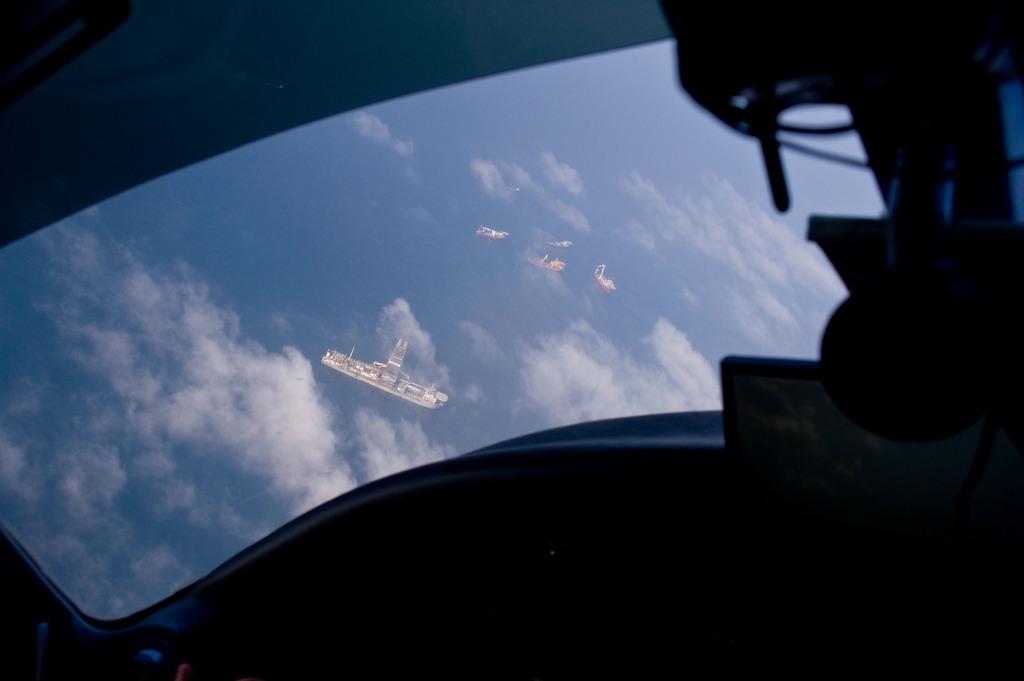 Office of the Administrator (Lisa P. Jackson) - ASPECT Flight over Gulfport, Mississippi (BP Oil Spill) - USEPA photo by Eric Vance [412-APD-668-ND79450.jpg]