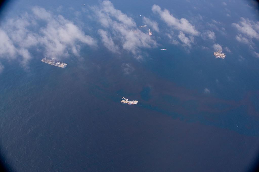 Office of the Administrator (Lisa P. Jackson) - ASPECT Flight over Gulfport, Mississippi (BP Oil Spill) - USEPA photo by Eric Vance [412-APD-668-ND79430.jpg]