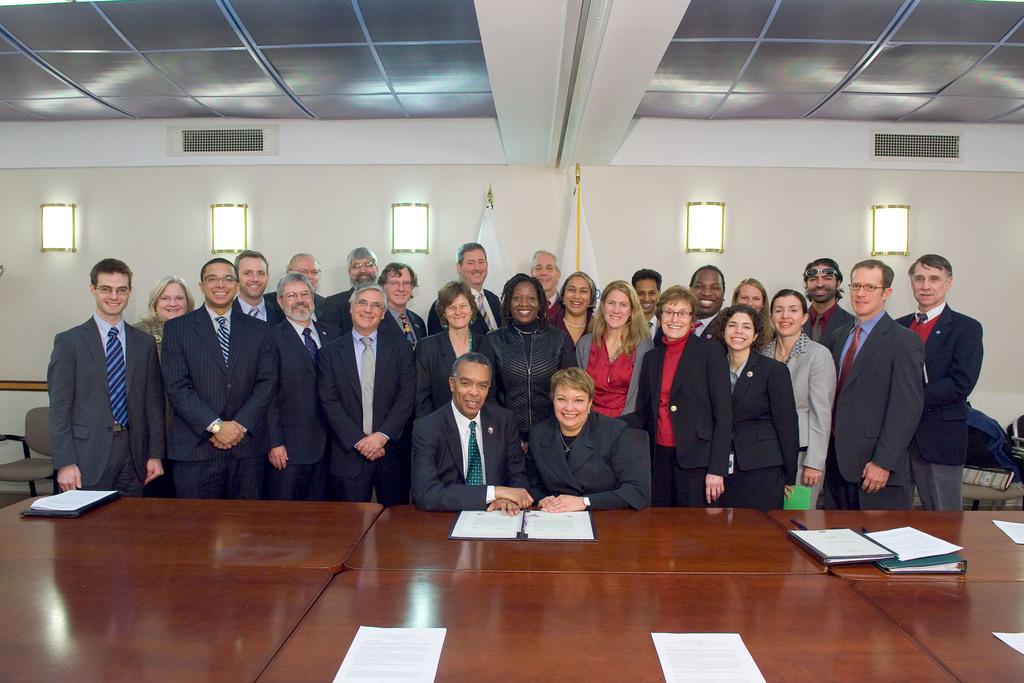 Office of the Administrator (Lisa P. Jackson) - Peace Corps Memorandum of Understanding (MOU) [412-APD-634-ND73937.jpg]
