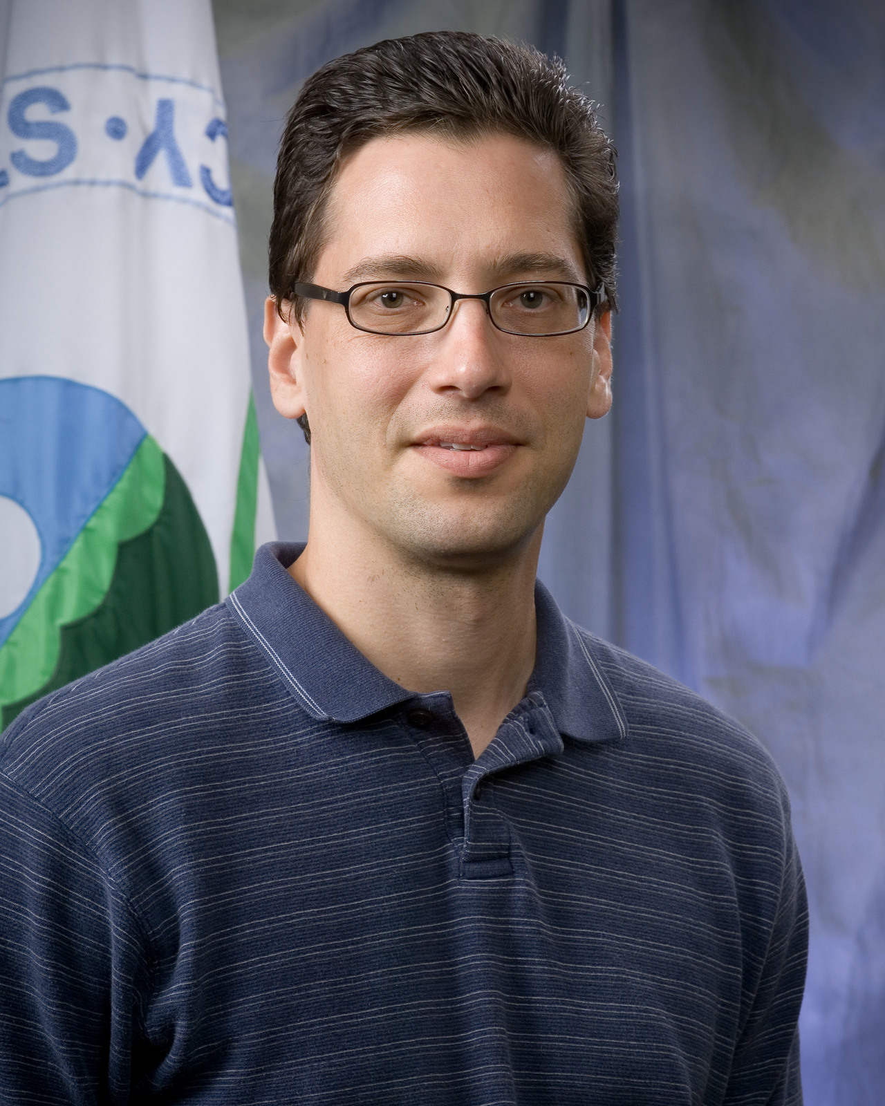 Office of Research and Development - Chapel Hill Portraits - Ed Karoly [412-APD-952-Ed_1Karoly_101.jpg]