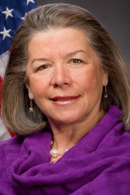 Office of the Administrator (Lisa P. Jackson) - Diane Thompson Portraits [412-APD-678-DianeThompson2x3.jpg]
