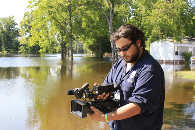 Flooding - Vicksburg, Miss. , May 13, 2011 --  FEMA videographer Tim Pioppo documents the flooding caused by the waters of the Mississippi River in Vicksburg Mississippi. FEMA assists those affected by the flood. Howard Greenblatt/FEMA