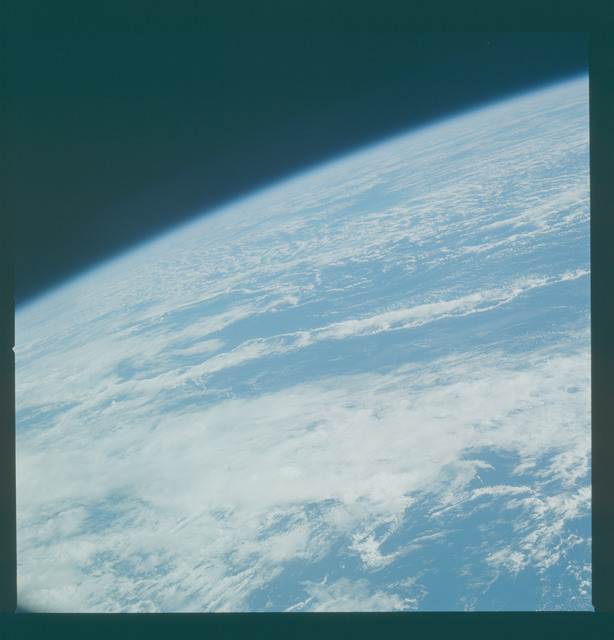 41C-33-1313 - STS-41C - Earth observations taken from shuttle Challenger during STS-41C
