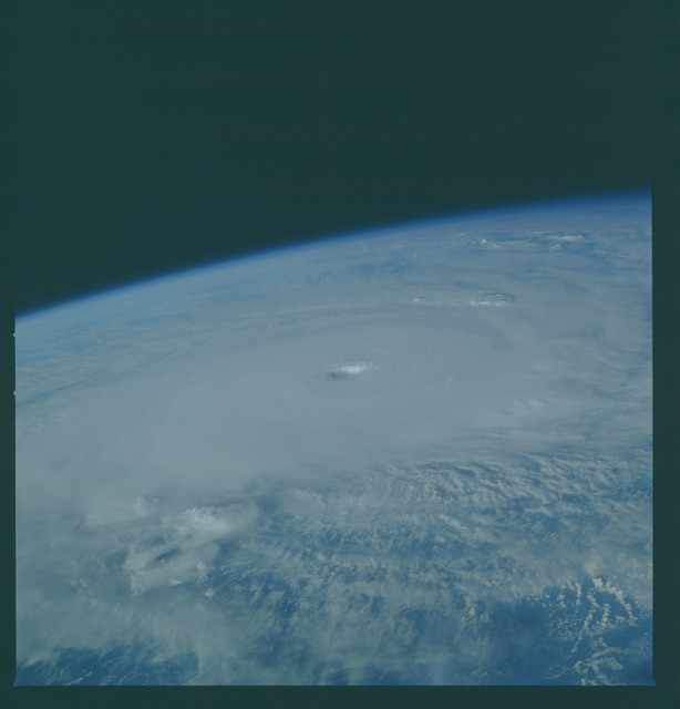 41C-36-1605 - STS-41C - Outflow of Hurricane Kamysi