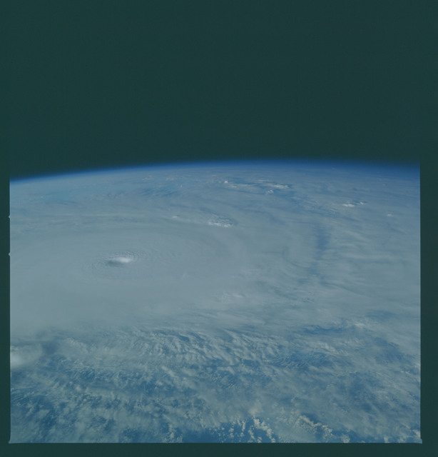 41C-36-1606 - STS-41C - Outflow of Hurricane Kamysi