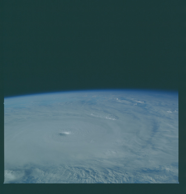 41C-36-1607 - STS-41C - Outflow of Hurricane Kamysi