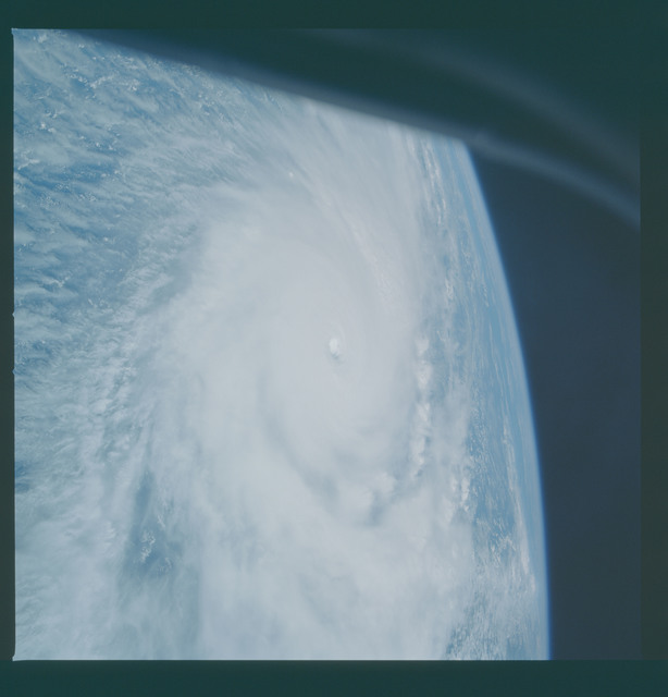 41C-36-1660 - STS-41C - Hurricane Kamysi