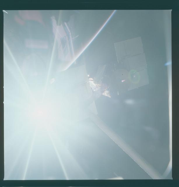 41C-37-1725 - STS-41C - Capture of Solar Maximum satellite by RMS
