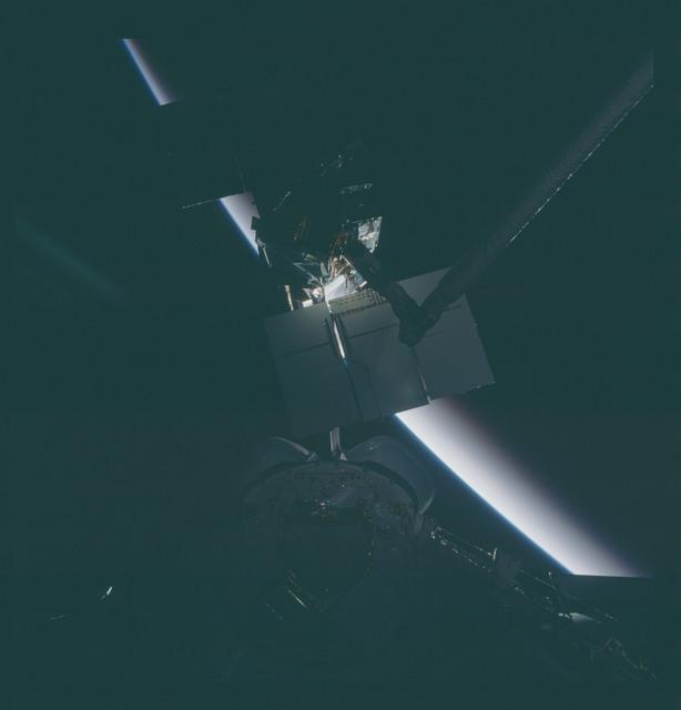 41C-37-1730 - STS-41C - Capture of Solar Maximum satellite by RMS