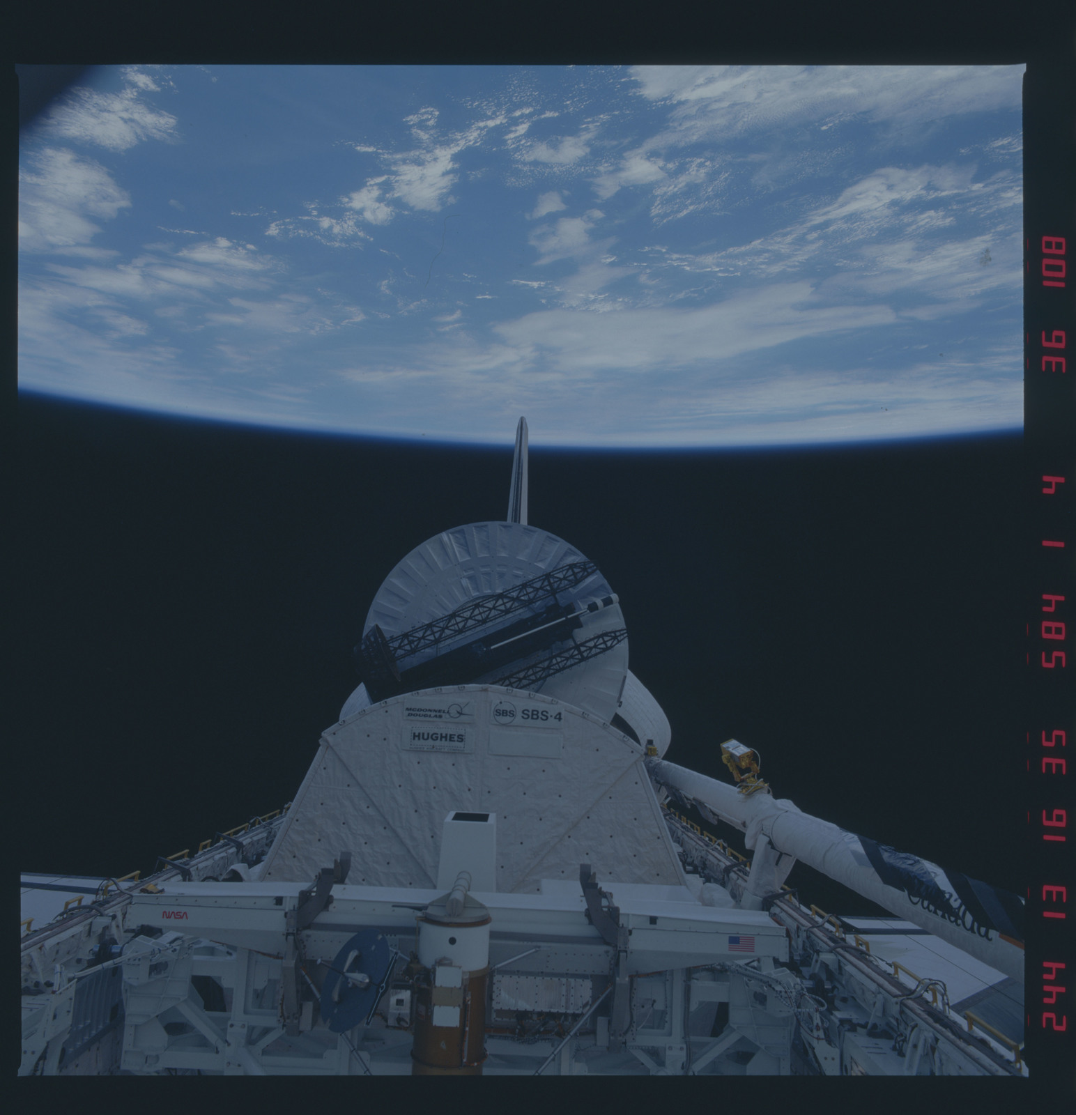 41D-36-108 - STS-41D - Deployment of the Syncom IV satellite