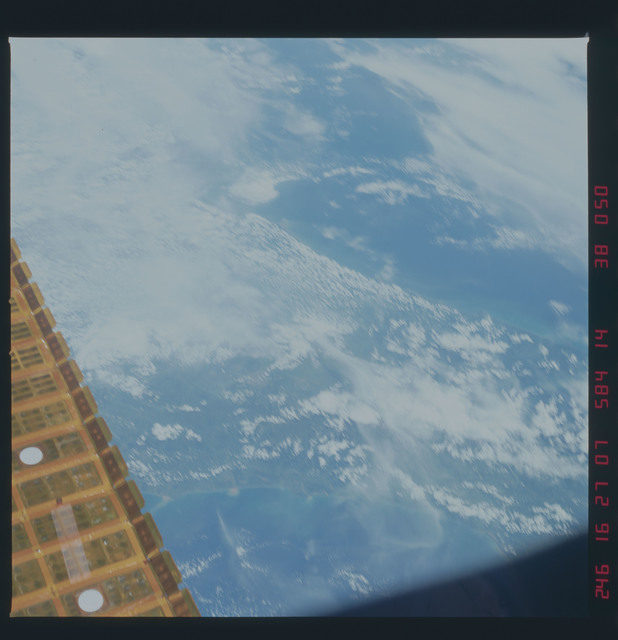 41D-38-050 - STS-41D - Earth observations taken during STS-41D mission