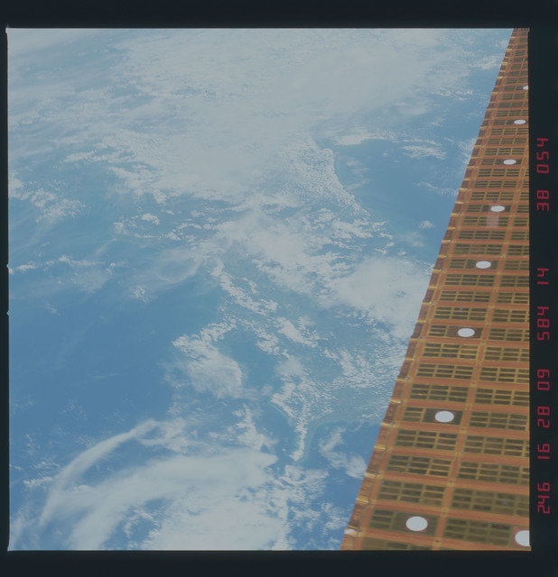 41D-38-054 - STS-41D - Solar arrays for the OAST-1 payload