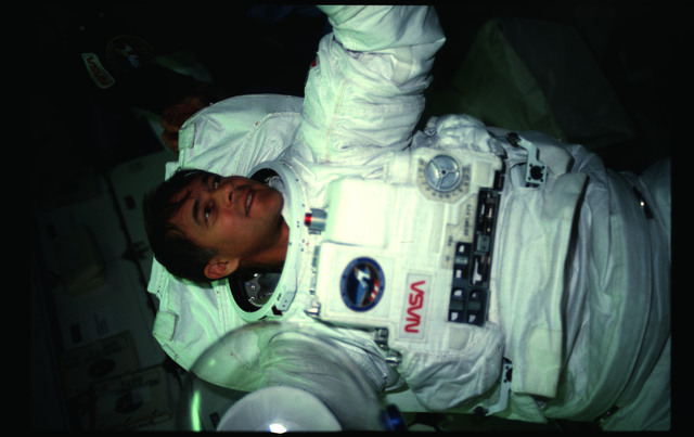 51A-07-012 - STS-51A - 51A activities