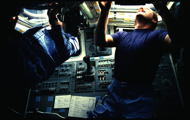 51A-09-007 - STS-51A - 51A activities