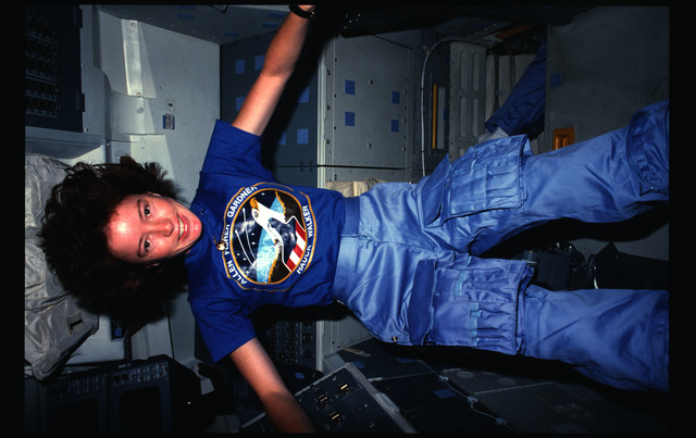 51A-15-025 - STS-51A - 51A crew activities