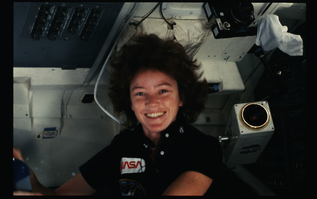 51A-20-006 - STS-51A - 51A crew activities
