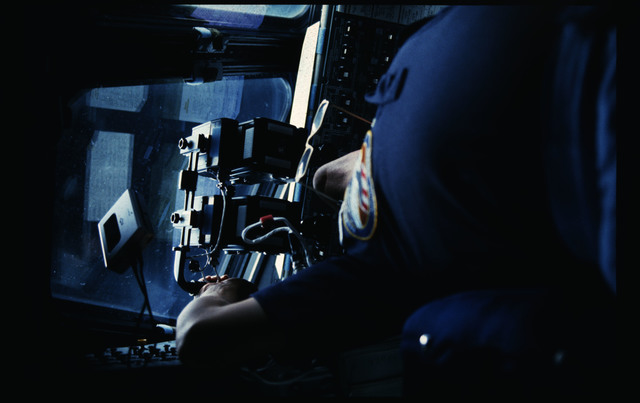 51A-20-007 - STS-51A - 51A crew activities
