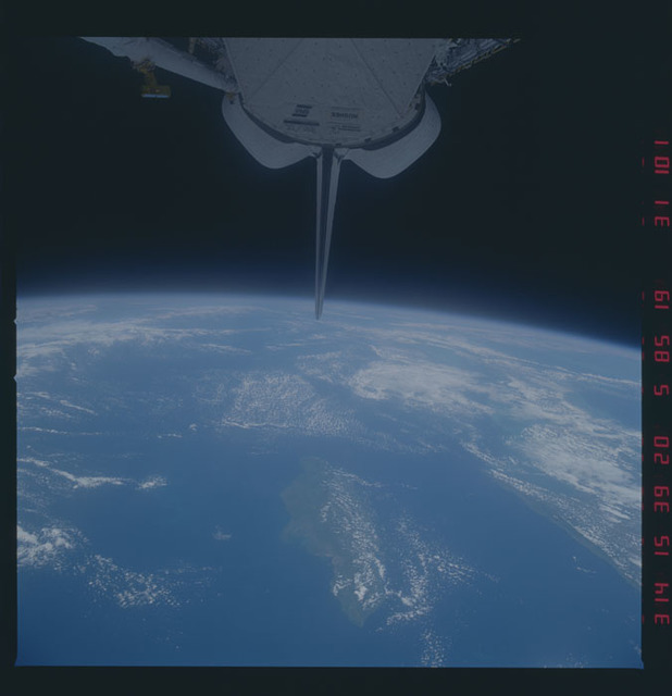 51A-31-101 - STS-51A - 51A earth observations