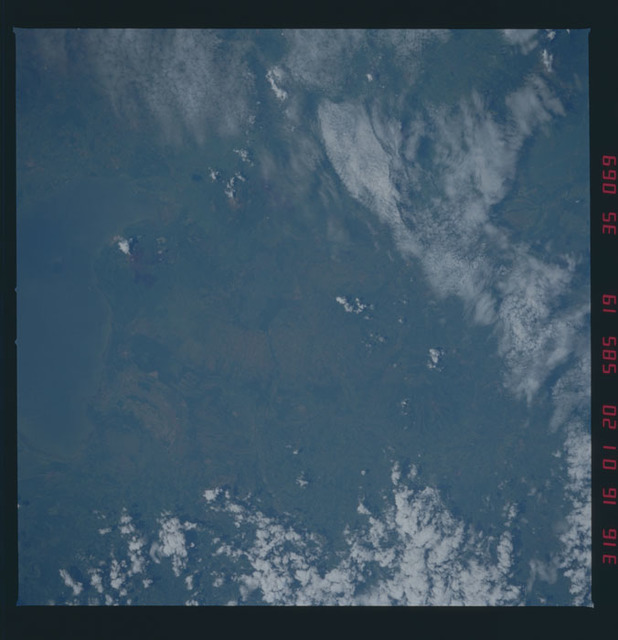 51A-35-069 - STS-51A - 51A earth observations