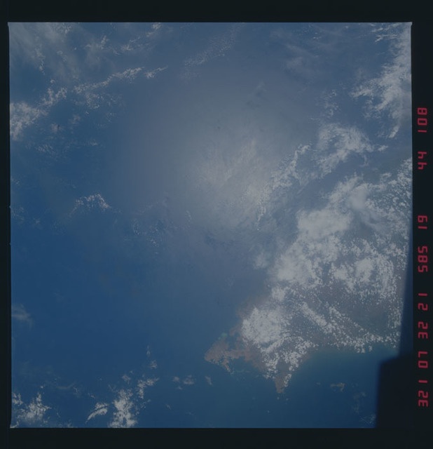 51A-44-108 - STS-51A - 51A earth observations