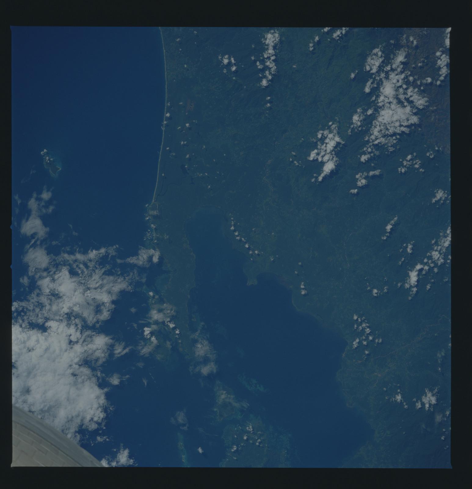 51B-34-051 - STS-51B - 51B earth observation