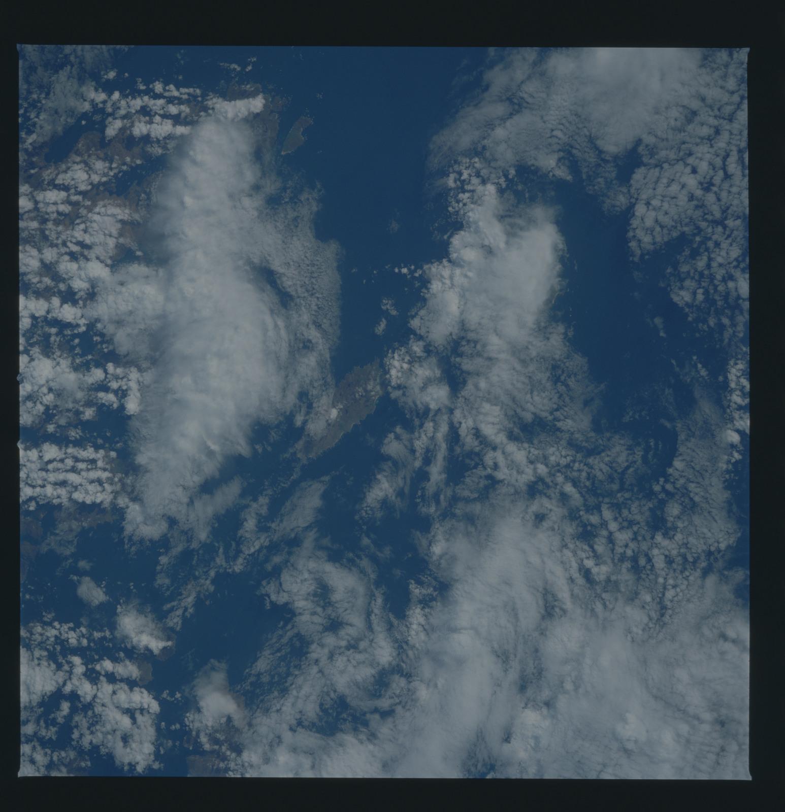51B-34-060 - STS-51B - 51B earth observation