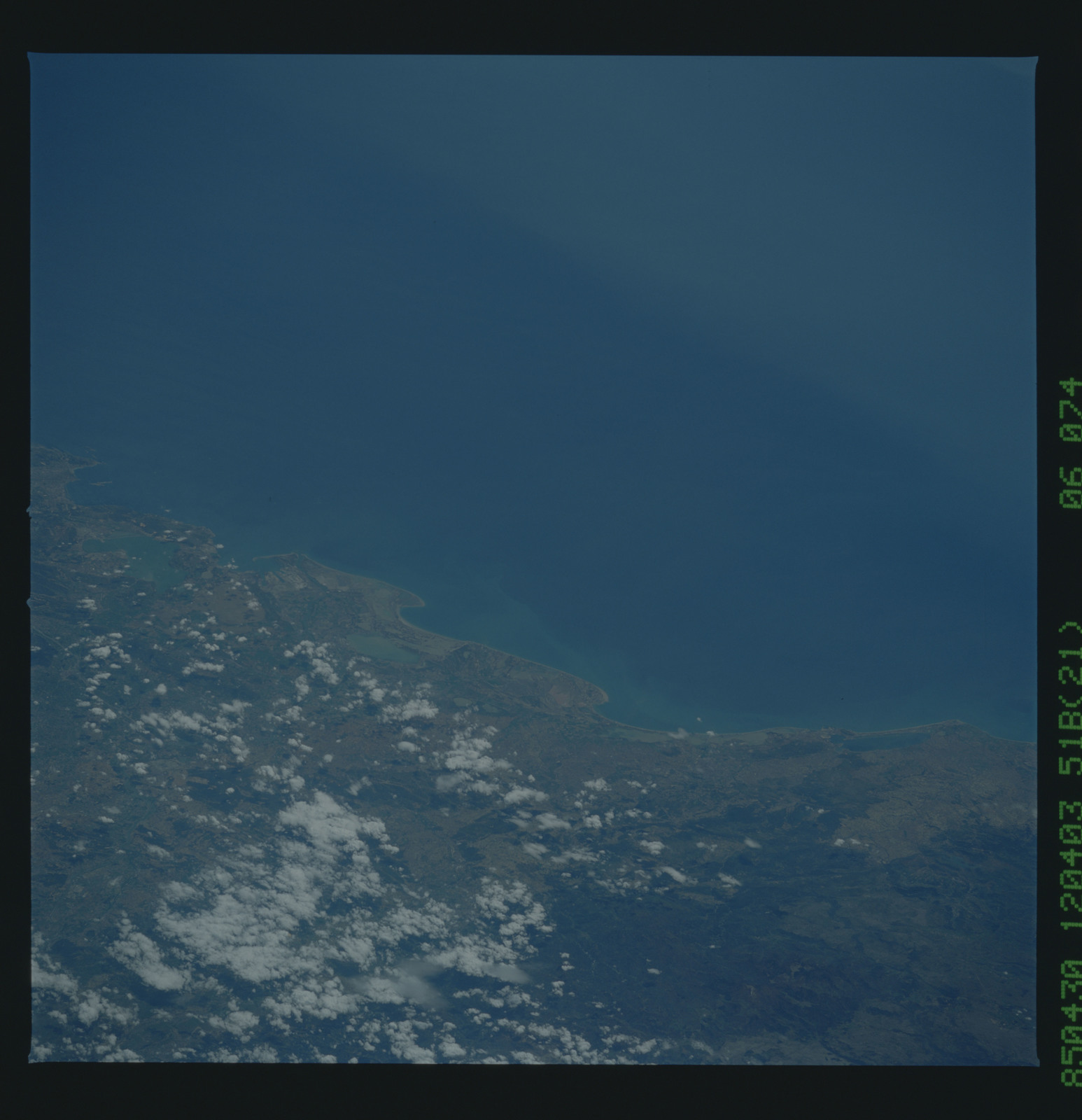 51B-36-074 - STS-51B - 51B earth observation