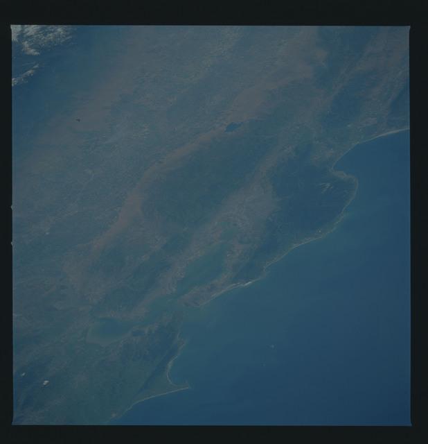 51B-38-076 - STS-51B - 51B earth observation