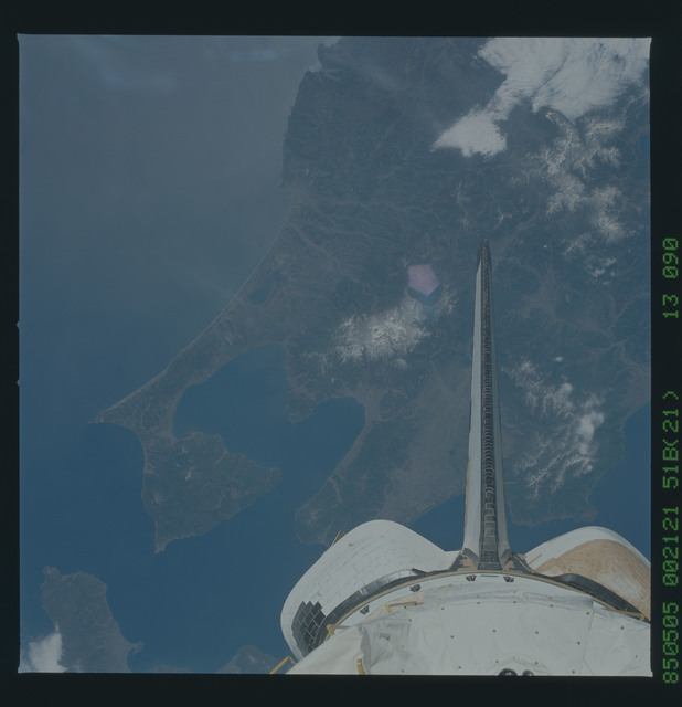 51B-43-090 - STS-51B - 51B earth observation
