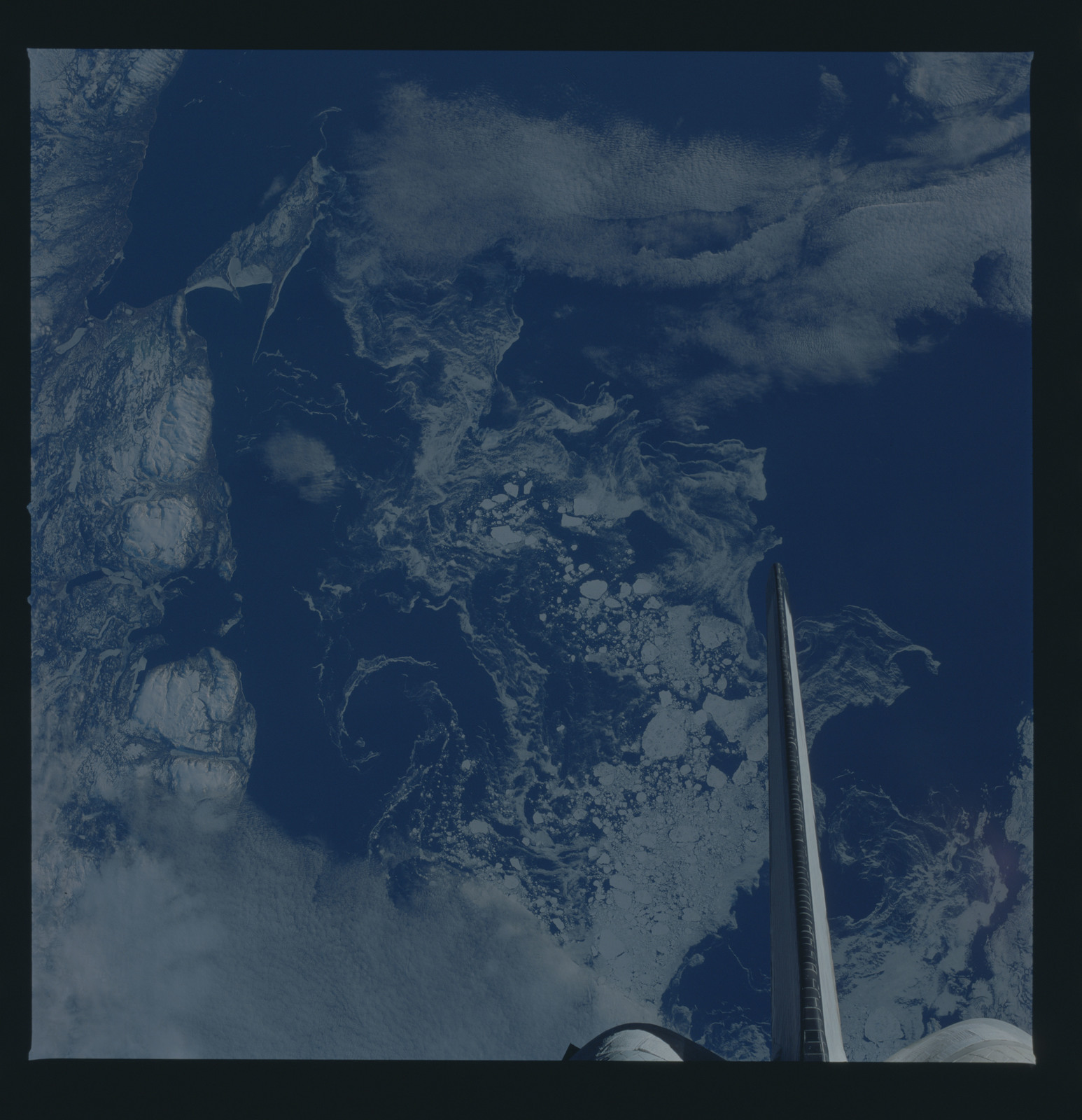 51B-44-018 - STS-51B - 51B earth observation