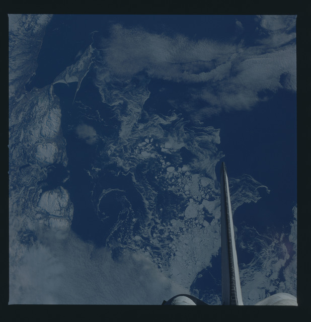 51B-44-018 - STS-51B - 51B earth observation
