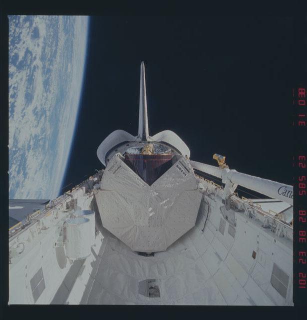 51D-31-038 - STS-51D - Deployment of the Telesat-1 (Anik C-1)
