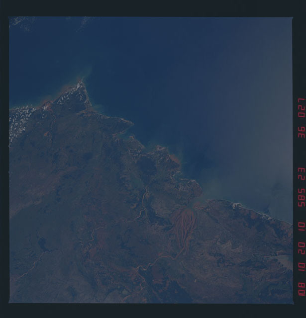 51D-36-027 - STS-51D - STS-51D earth observations
