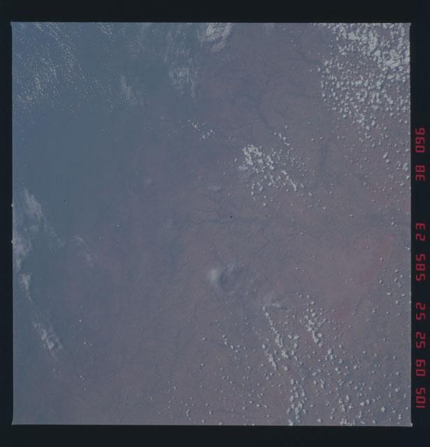 51D-38-096 - STS-51D - STS-51D earth observations