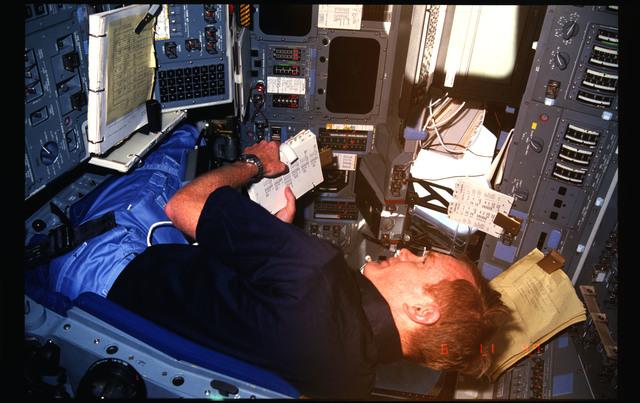 51F-02-012 - STS-51F - 51F crew activities