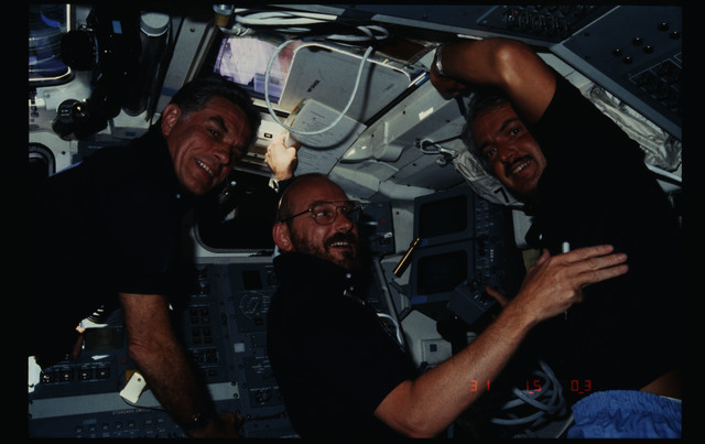 51F-19-010 - STS-51F - 51F crew activities