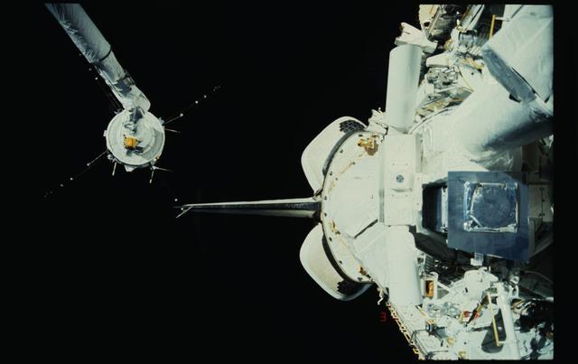 51F-19-028 - STS-51F - PDP