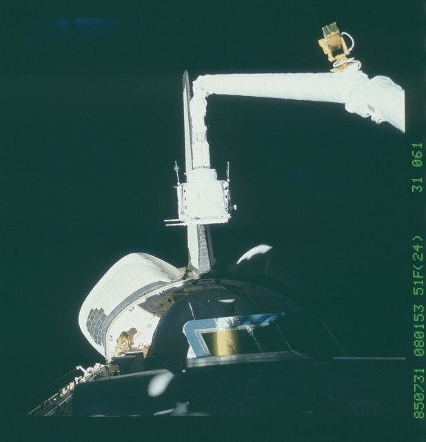 51F-31-061 - STS-51F - Hardware in the payload bay