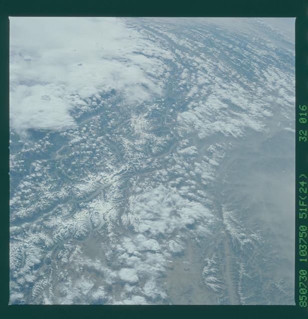 51F-32-016 - STS-51F - 51F earth observations