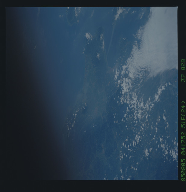 51F-37-028 - STS-51F - 51F earth observations