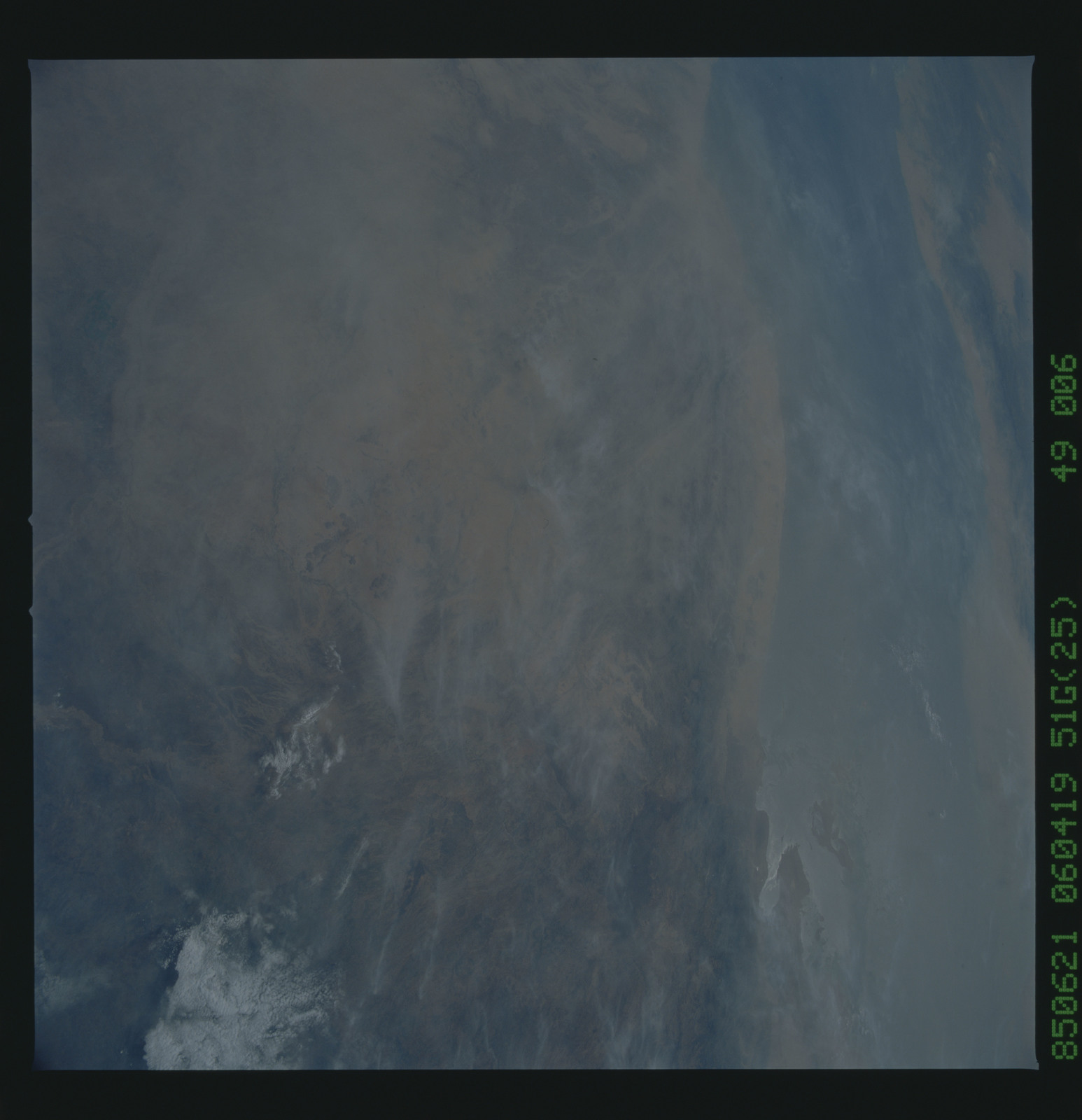 51G-49-006 - STS-51G - STS-51G earth observations