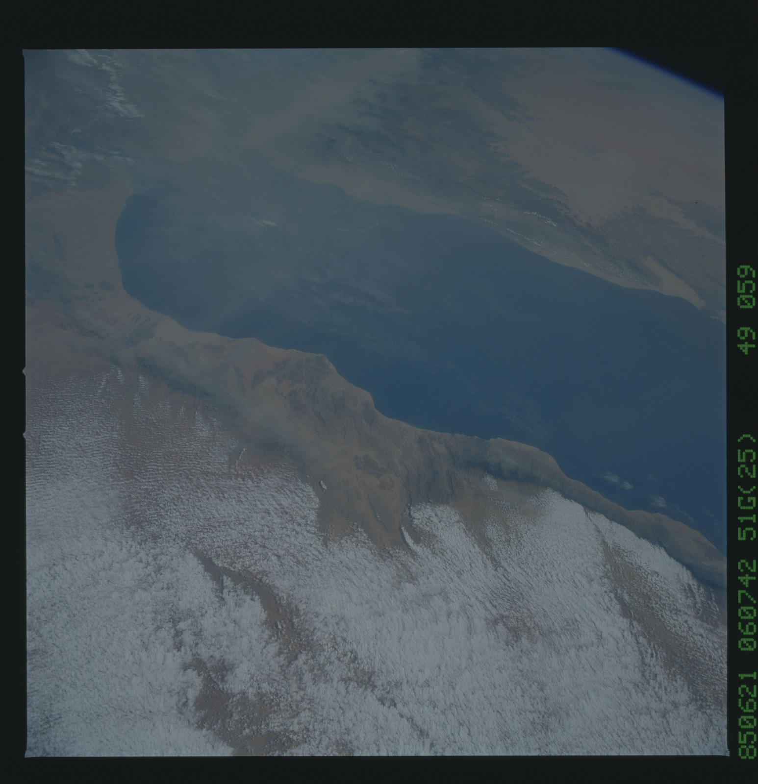 51G-49-059 - STS-51G - STS-51G earth observations